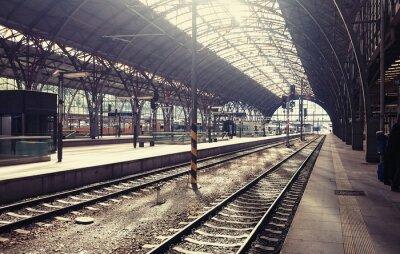 Canvastavlor Centralstationen i Prag, Tjeckien.
