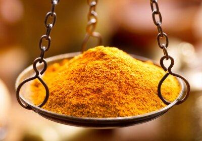 Canvastavlor curry krydda pulver i skål vikter