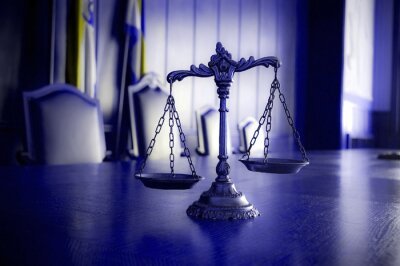 Canvastavlor Dekorativa Scales of Justice i rättssalen
