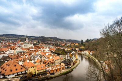 Canvastavlor Den gamla staden vy från Krumlov slott i molnig dag