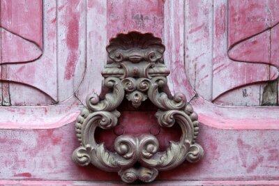 Canvastavlor Dörr knoker på en gammal rosa wodden dörr