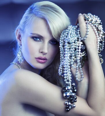 Canvastavlor Fabulous kvinna med bukett av jewelary