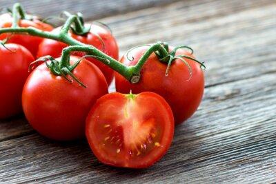 Canvastavlor Färska tomater på trä bakgrund