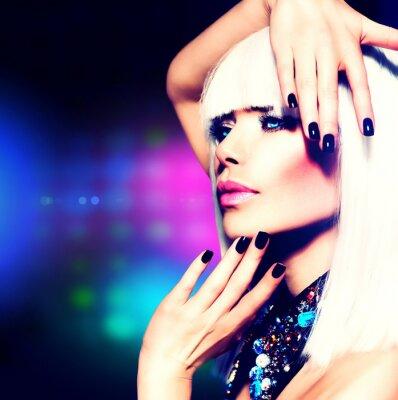 Canvastavlor Fashion Disco Party Girl porträtt. Lila makeup och vitt hår