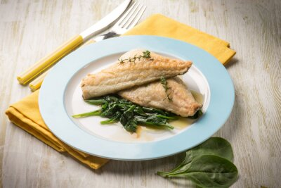 Canvastavlor fiskfilé med färsk spenat