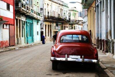 Canvastavlor Gata scen med veteranbil i Havanna, Kuba