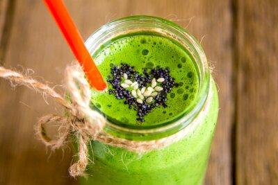Canvastavlor Grön smoothie med hjärtat av utsäde