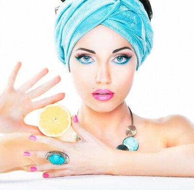 Canvastavlor Hälsosam kost, hälso- och sjukvård. Näring. Skönhet kvinna, citron