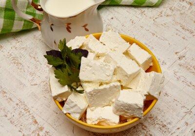 Canvastavlor hälsosam mat. keso och mjölk på en vit trä bakgrund