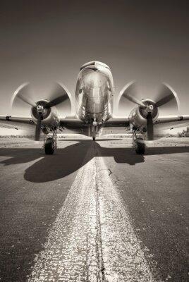 Canvastavlor historiska flygplan väntar på att ta av på en landningsbana