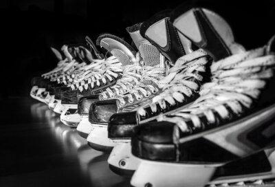 Canvastavlor Hockeyskridskor uppradade i omklädningsrum