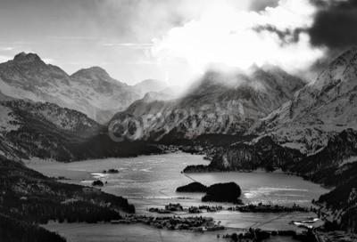 Canvastavlor Hög utsikt över dalen med Engadine Sils Maria hatar byar där han bodde filosofen Nietzsche