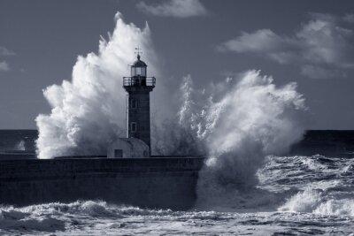 Canvastavlor Infraröd gamla fyren under hård storm