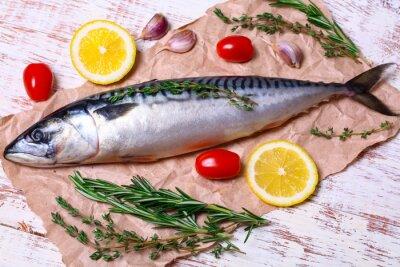 Canvastavlor ingredienser för bakning Scomber filéer, rått makrill, citron, vitlök, rosmarin