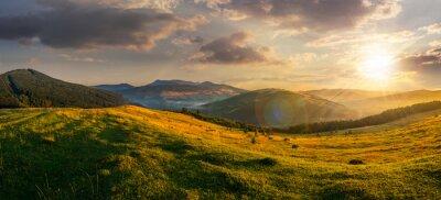 Canvastavlor jordbruksområdet i bergen vid solnedgången