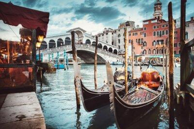 Canvastavlor Klassisk vy över Rialtobron - Venedig