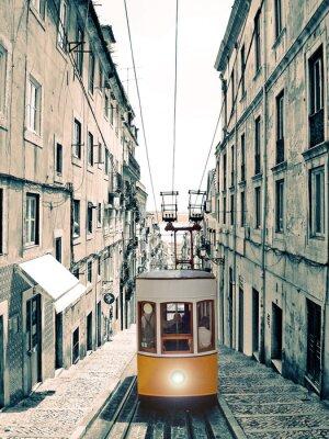 Canvastavlor Lissabon - velho elevador amarelo