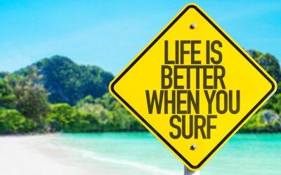 Canvastavlor Livet är bättre när du surfar tecken med stranden bakgrund