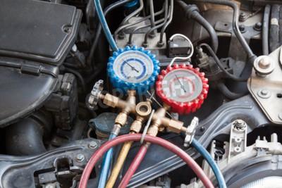 Canvastavlor Manometern används för att mäta luftkonditioneringstrycket i fordonet.