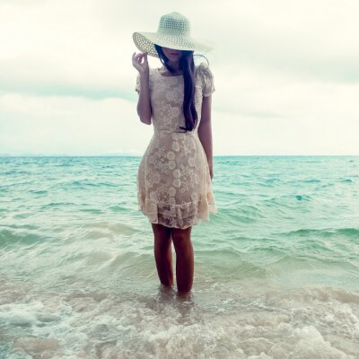 Canvastavlor mode porträtt av en flicka på havet