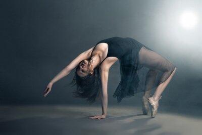 Canvastavlor Modern stil för dansare poserar på grå bakgrund
