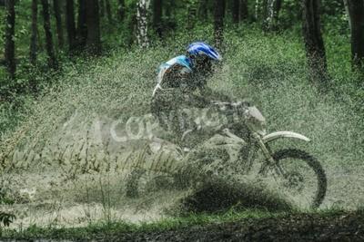 Canvastavlor Motocross cykelövergångsbrygga, vattenstänk i tävling