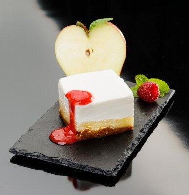 Canvastavlor Ostkaka con mela e mousse di Lampone