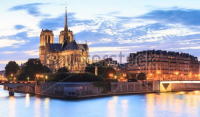 Canvastavlor Panorama av ön Cite med katedralen Notre Dame de Paris i Paris, Frankrike.
