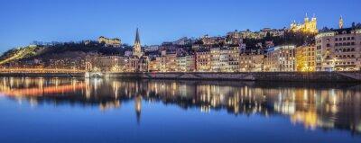 Canvastavlor Panoramautsikt över Lyon med Saône floden by night