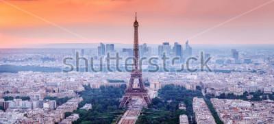 Canvastavlor Paris, Frankrike. Panoramautsikt över Paris skyline med Eiffeltornet i vante. Fantastisk solnedgångslandskap med dramatisk himmel.