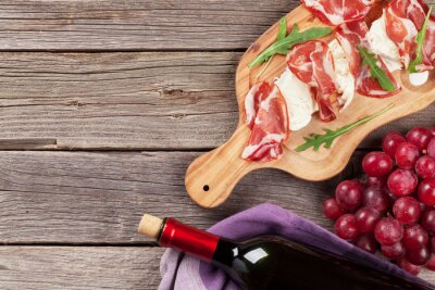 Canvastavlor Parmaskinka och mozzarella med rött vin