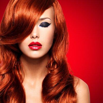 Canvastavlor Porträtt av en kvinna med långa röda hår