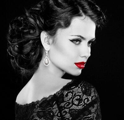 Canvastavlor Retro kvinna. Modell flicka porträtt. Svartvitt foto.