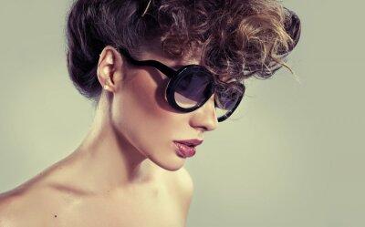 Canvastavlor Sensuell klassisk kvinna med fantastiska läppar