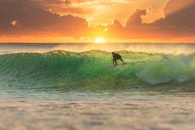 Canvastavlor Surfer Surfing at Sunrise