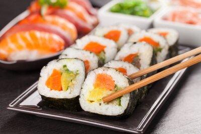 Canvastavlor sushi bitar med pinnar