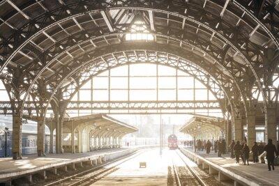 Canvastavlor Tågstation med metalltak