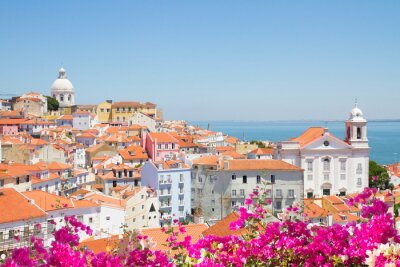 Canvastavlor utsikt över Alfama, Lissabon, Portugal