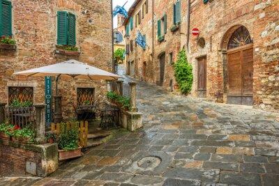 Canvastavlor Vacker gränd i Montepulciano, Toscana, Italien