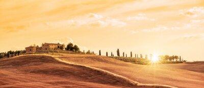 Canvastavlor Vackert typiskt panorama landskap i Toscana vid solnedgången, Italien