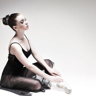 Canvastavlor Vackra balettdansös, modern stil för dansare poserar på studio