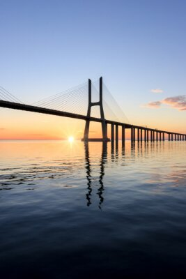 Canvastavlor Vasco da Gama-bron, soluppgång i Lissabon