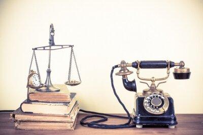 Canvastavlor Vintage gamla telefon, skalor med klockor och pengar, böcker