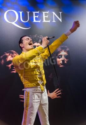 Fototapet AMSTERDAM, NEDERLÄNDERNA - 25 APRIL, 2017: Freddie Mercury vax staty i Madame Tussauds museum den 25 april 2017 i Amsterdam Nederländerna.