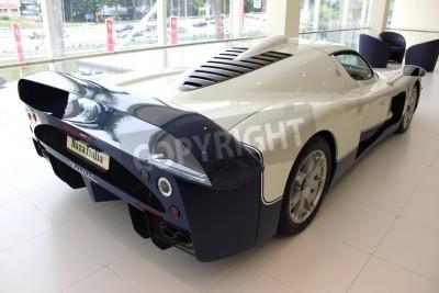 Fototapet Baksidan av Maserati racerbil på Naza Italia