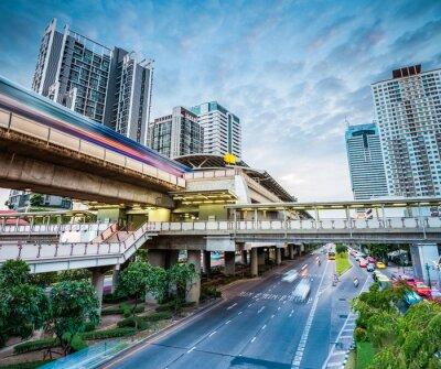 Fototapet bangkok tunnelbanestation i skymningen