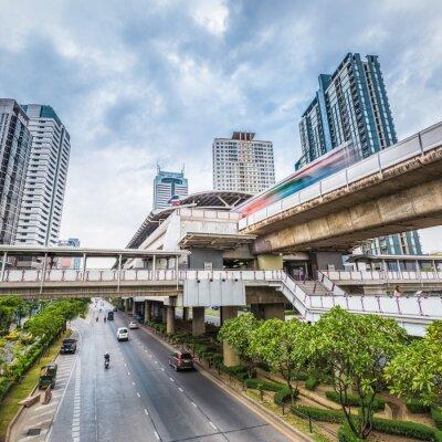 Fototapet bangkok tunnelbanestationen vid skymningen