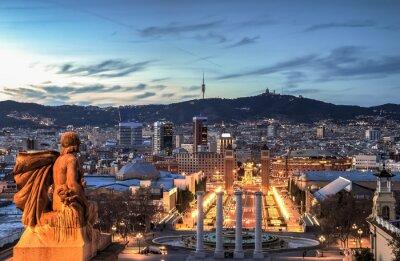 Fototapet Barcelona i blå timmen, Spanien