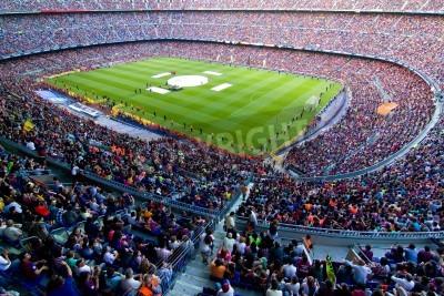 Fototapet BARCELONA, Spanien - 13 maj 2011: Oidentifierade FC Barcelona supportrar fira den spanska ligan Championship seger i fotbollsstadion Camp Nou.
