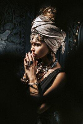 Fototapet beautiful young stylish woman wearing turban outdoors portrait